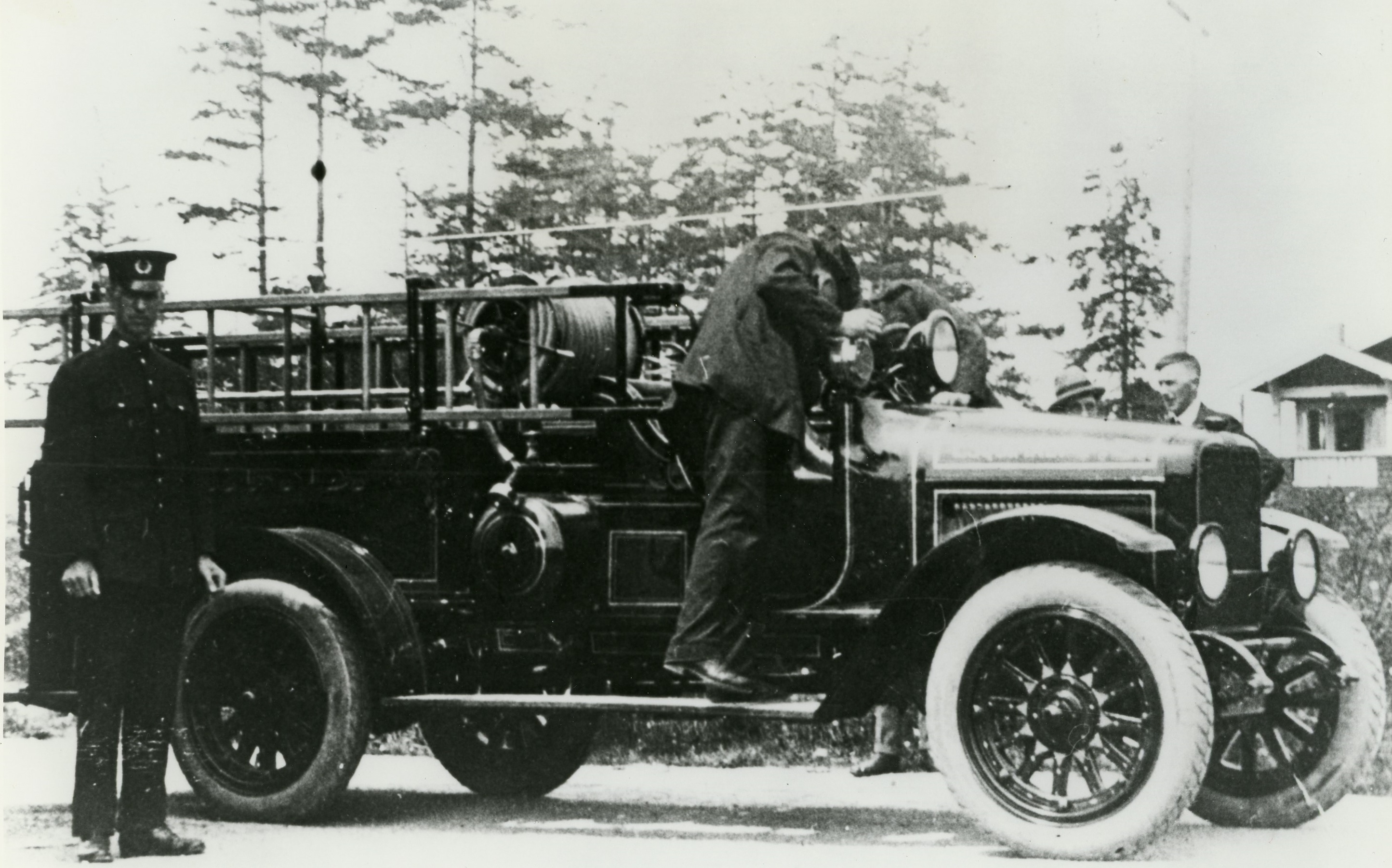 First Motor Fire Engine in Esquimalt
