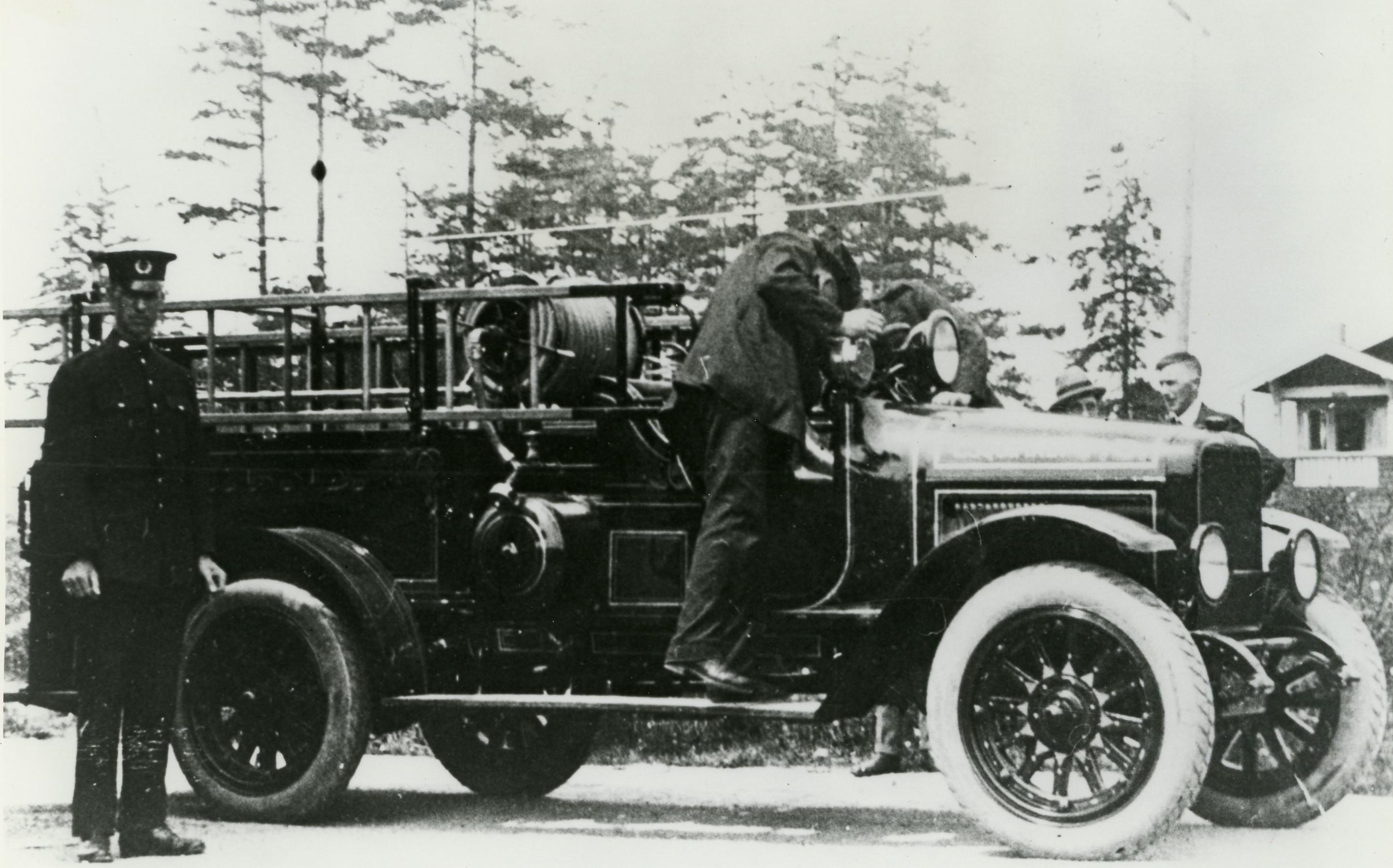 First Motor Fire Engine in Esquimalt
