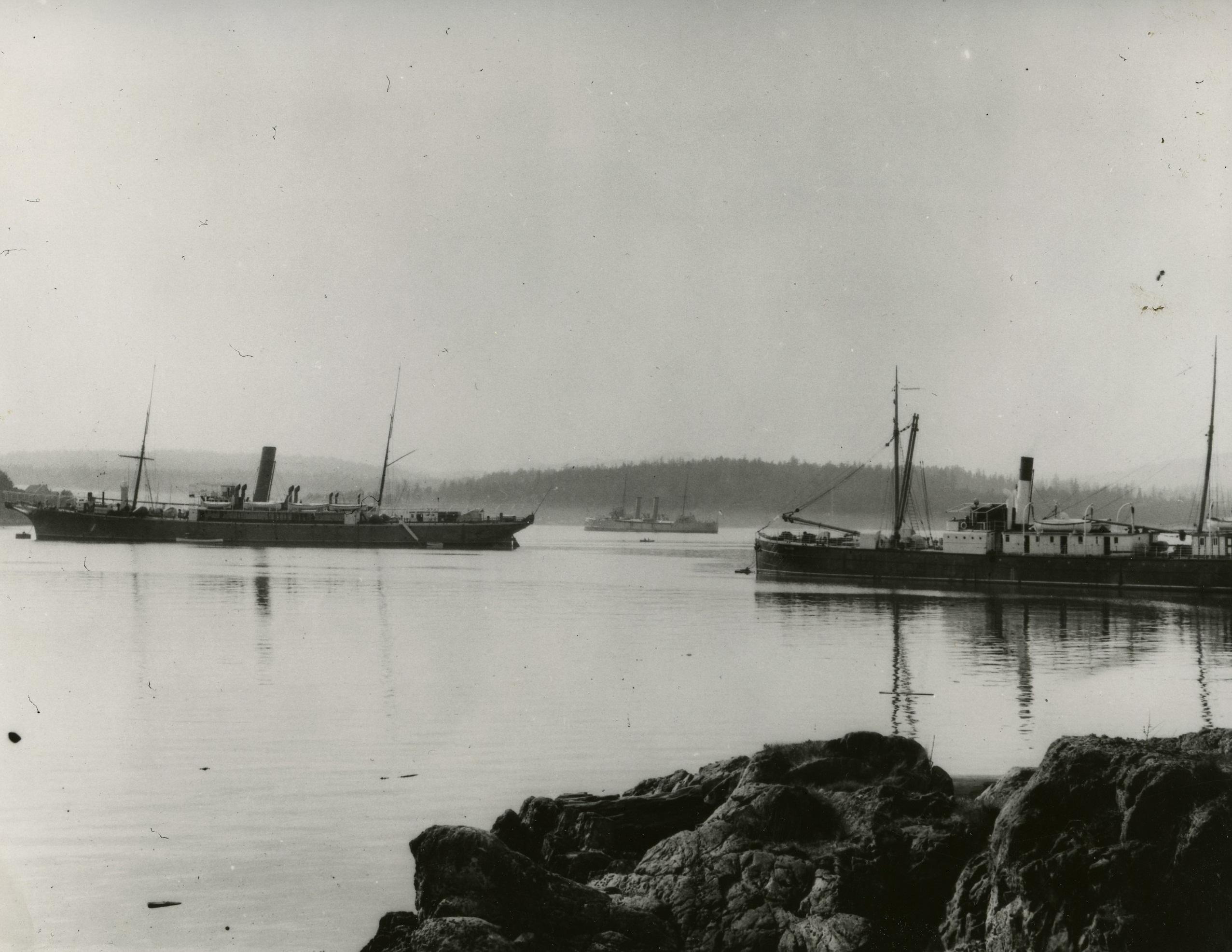 Salvor, HMCS Rainbow, and Restorer